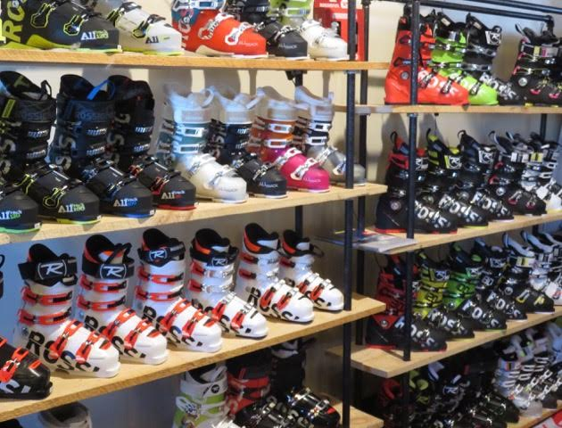 Selecting a ski boot…many shapes and models